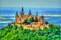 Castelo nos cumes Swabian - Baden-Wurttemberg de Hohenzollern, Alemanha imagem de stock royalty free
