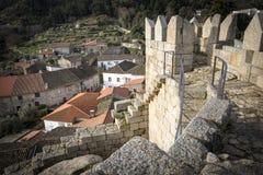 Castelo Novo miasteczko i ruiny stary kasztel, Fundão Obraz Stock