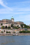 Castelo real de Budapest em Danube River Foto de Stock