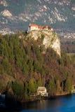 Castelo sangrado - castelo em um penhasco Fotos de Stock