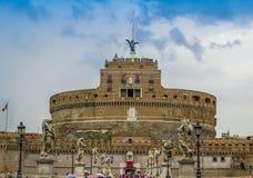 Castelo Sant Angelo e a ponte dos anjos - Roma, Itália Fotos de Stock