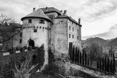 Castelo Schenna Scena perto de Meran Schenna, prov?ncia Bolzano, Tirol sul, It?lia fotos de stock royalty free