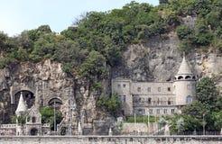 Castelo sob o monte Budapest de Gellert Imagem de Stock