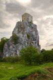 Castelo velho Betskov na rocha Fotografia de Stock