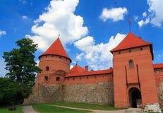 Castelo velho na ilha, a cidade de Trakai, Lituânia Fotos de Stock Royalty Free