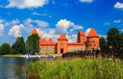 Castelo velho na ilha, a cidade de Trakai, Lituânia Foto de Stock Royalty Free