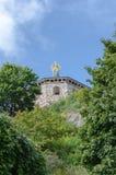 Castelo velho na parte superior do monte fotografia de stock