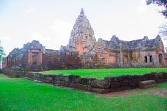 Castelo velho no monte imagem de stock