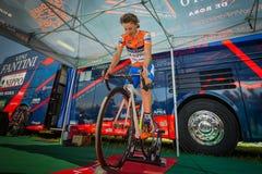 Castelrotto,意大利2016年5月22日;达米亚诺・库内戈,专业骑自行车者,在困难时期试验攀登前的路辗的 库存图片