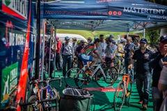 Castelrotto,意大利2016年5月22日;达米亚诺・库内戈,专业骑自行车者,在困难时期试验攀登前的路辗的 库存照片