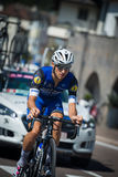 Castelrotto, Италия 22-ое мая 2016; Gianluca Brambilla, профессиональный велосипедист, во время подъема трудного времени пробного Стоковые Фото