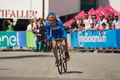 Castelrotto, Italia 22 maggio 2016; Damiano Cunego, ciclista professionista, in jersey blu durante la salita di prova di difficol Fotografia Stock Libera da Diritti