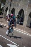 Castelrotto, Italie le 22 mai 2016 ; Cycliste professionnel pendant une montée d'essai de difficulté photographie stock libre de droits