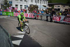 Castelrotto, Italie le 22 mai 2016 ; Rigoberto Uran, cycliste professionnel, pendant une montée d'essai de difficulté photographie stock