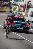 Castelrotto, Italien am 22. Mai 2016; Atapuma Darwin, Berufsradfahrer, während eines Probeaufstiegs der schweren Zeit Lizenzfreies Stockfoto