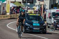 Castelrotto, Italien am 22. Mai 2016; Berufsradfahrer während eines Probeaufstiegs der schweren Zeit Lizenzfreies Stockfoto