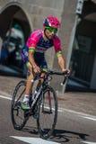 Castelrotto, Italien am 22. Mai 2016; Diego Ulissi, Berufsradfahrer, während eines Probeaufstiegs der schweren Zeit Stockbild
