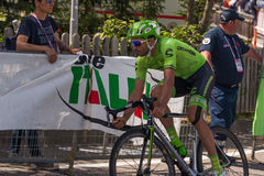 Castelrotto, Italien am 22. Mai 2016; Moreno Moser, Berufsradfahrer, während eines Probeaufstiegs der schweren Zeit Lizenzfreie Stockfotografie
