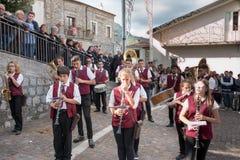 Castelsaraceno, Włochy, 18-06-2017: Losu Angeles Festa della ` Ndenna, Rito zdjęcie stock