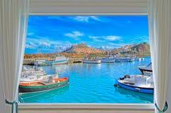 Castelsardo och fönster Royaltyfri Foto