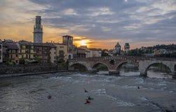Castelvecchio στον ποταμό Adige Βερόνα - Ιταλία Στοκ Φωτογραφίες