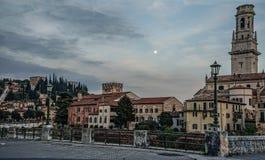 Castelvecchio στον ποταμό Adige Βερόνα - Ιταλία Στοκ Φωτογραφία