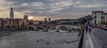 Castelvecchio bij Adige-Rivier Verona - Italië royalty-vrije stock afbeelding
