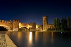 Castelvecchio bis zum Night (1357) - Verona Italien Lizenzfreies Stockbild