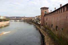 Castelvecchio und Adige-Fluss Lizenzfreie Stockfotos