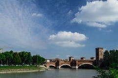 Castelvecchiobrug in Verona, Italië Stock Foto's