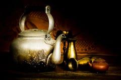 Castiçal, vasos e bules Foto de Stock Royalty Free