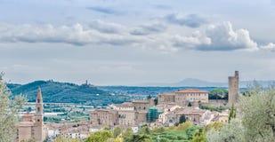 Castiglione Fiorentino, una ciudad medieval antigua en Toscana Imagen de archivo