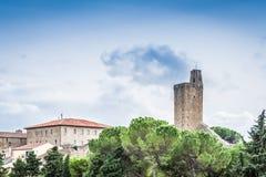 Castiglione Fiorentino, una ciudad medieval antigua en Toscana Foto de archivo