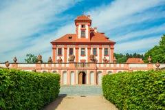 Castillo antiguo cerca de la Praga Foto de archivo libre de regalías