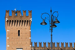 Castillo antiguo en Italia septentrional Fotografía de archivo libre de regalías