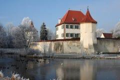 Castillo bávaro en invierno Foto de archivo libre de regalías