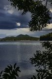 Castillo Bezdez del lago Machac imagen de archivo