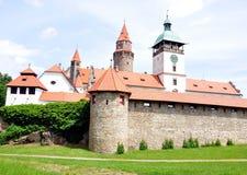 Castillo Bouzov, Moravia, República Checa, Europa foto de archivo