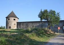 Castillo Bzovik, Eslovaquia imagenes de archivo