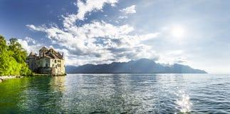 Castillo Chillon en el lago Lemán foto de archivo