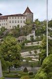 Castillo con el parque Fotografía de archivo libre de regalías