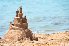 Castillo construido de la arena de la casa imágenes de archivo libres de regalías
