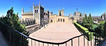 Castillo de Almodà ³ var del RÃo - rockera i Almodà ³ var del RÃo, Spanien Royaltyfri Bild