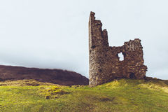 Castillo de Ardvreck, Sutherland, Escocia Montañas escocesas Fotos de archivo libres de regalías