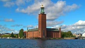 Castillo de ayuntamiento en la ciudad vieja en Estocolmo, Suecia almacen de metraje de vídeo
