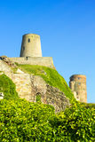 Castillo de Bamburgh, en la costa en Bamburgh, Northumberland, Inglaterra, i fotografía de archivo libre de regalías