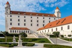 Castillo de Bratislava en el corazón de la ciudad de Bratislava, Eslovaquia fotografía de archivo