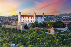 Castillo de Bratislava, Eslovaquia imagen de archivo