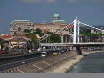 Buda Castle y puente de Elizabet Fotografía de archivo