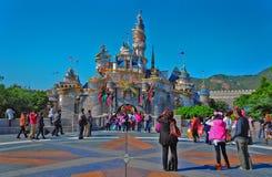 Castillo de Cinderella en Disneylandya Hong-Kong Imagenes de archivo